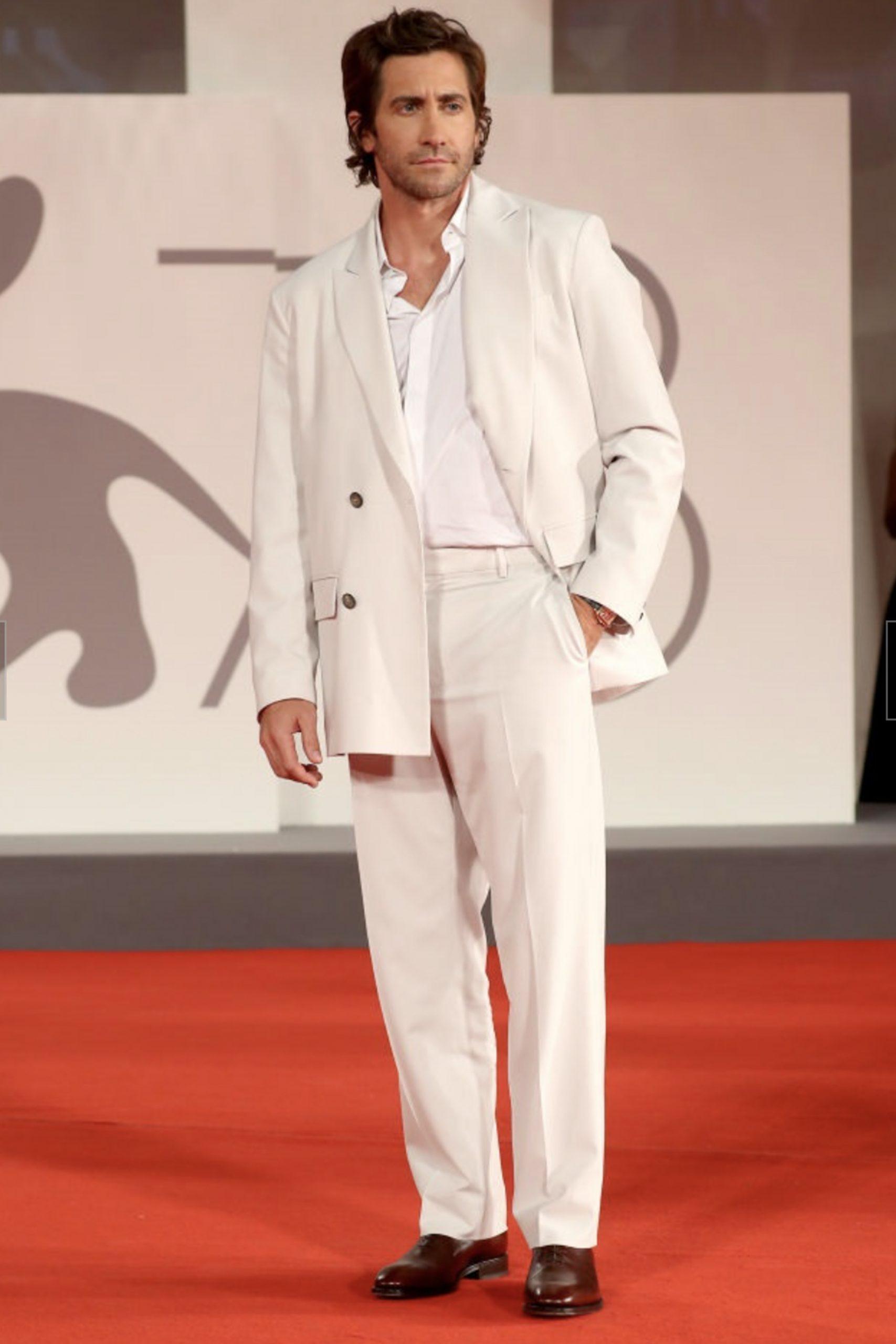 Jake Gyllenhaal in Valentino al Festival di Venezia - Neomag.