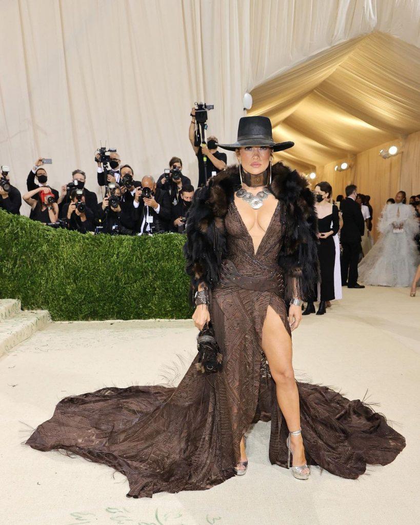 Jennifer Lopez in Ralph Lauren - neomag.