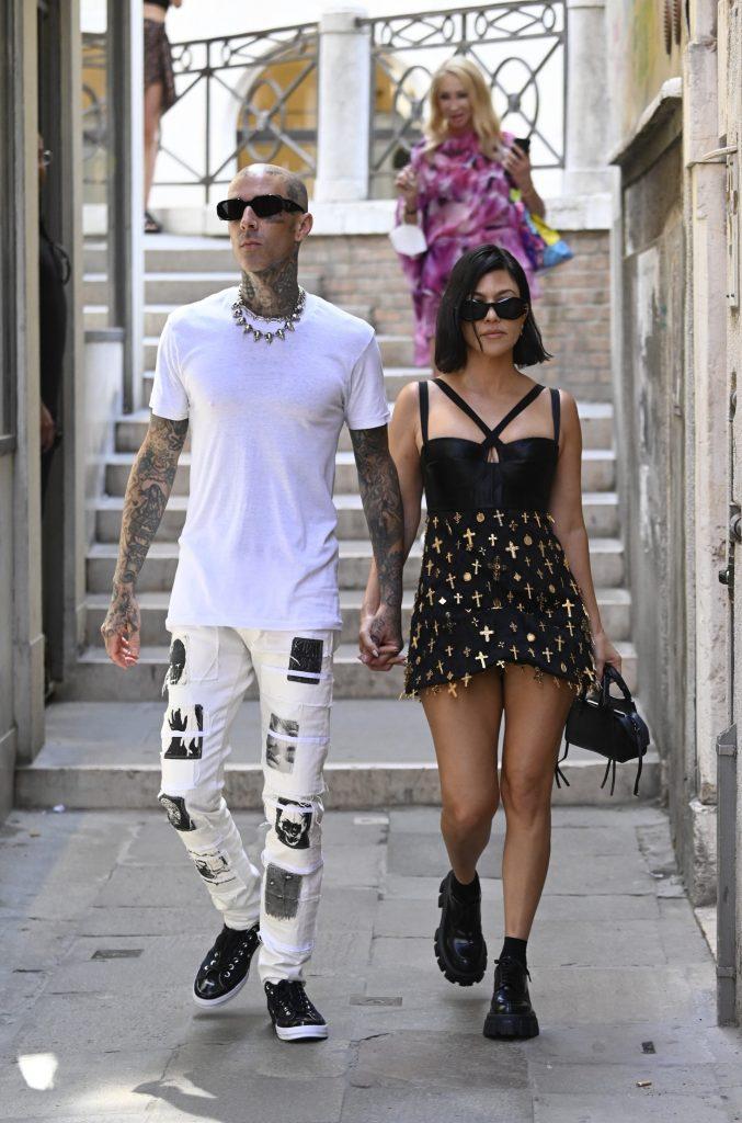 Kourtney Kardashian and Travis Barker - Neomag.