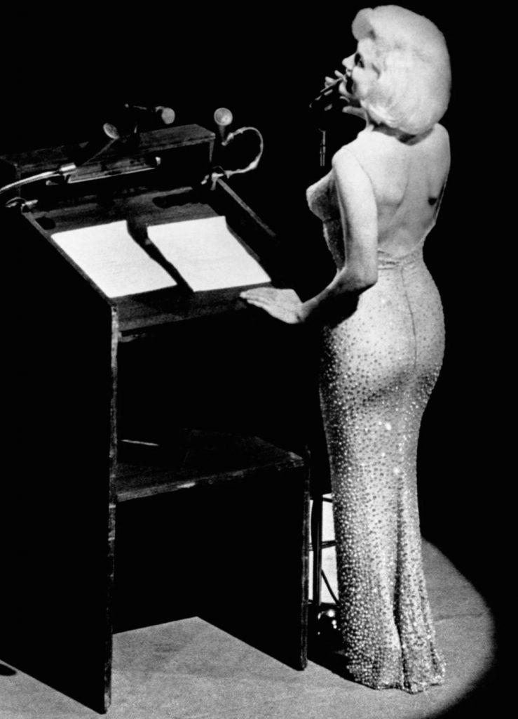 Marylin Monroe naked - Neomag.